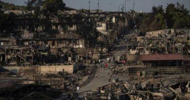 Segundo fuego destruye lo que quedaba del campo de Moria en Grecia
